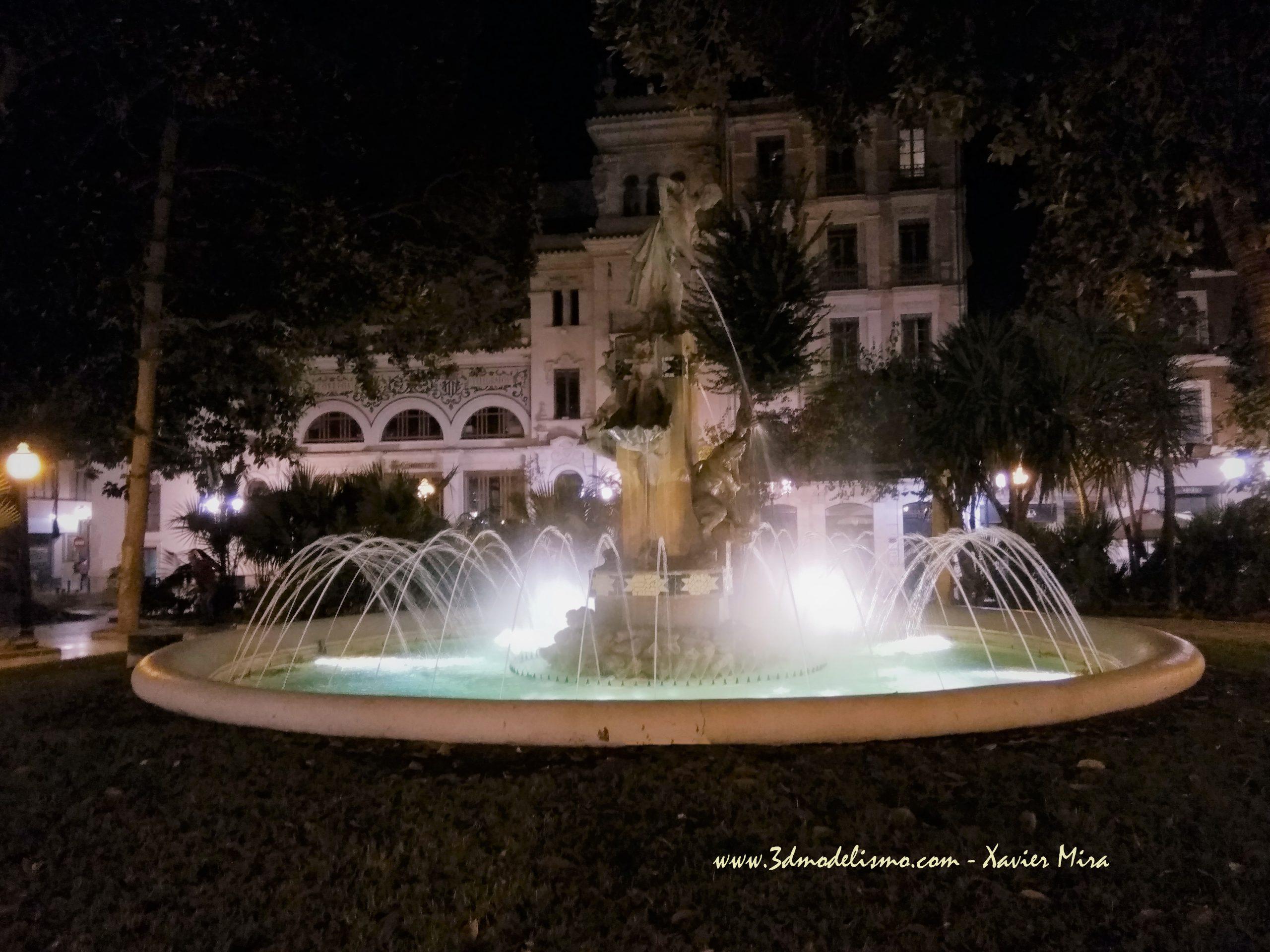 Plaza Gabriel Miro de Alicante por la noche